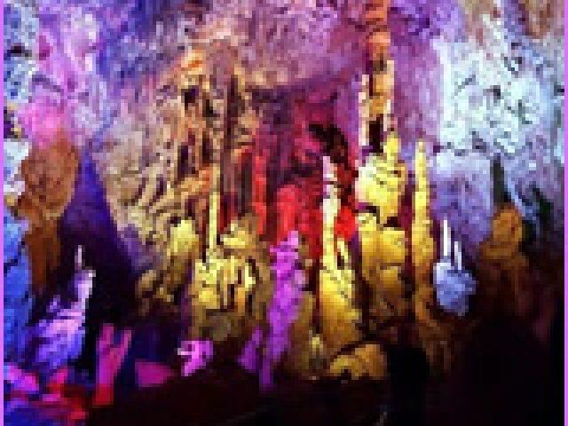 Visite de la Grotte de la Salamandre en famille !