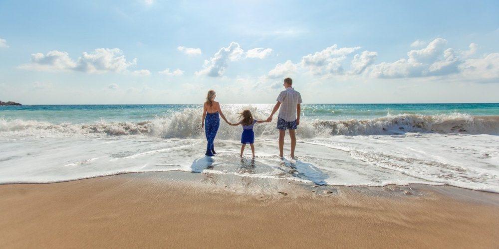 10 astuces pour profiter des vacances au soleil avec de jeunes enfants ?